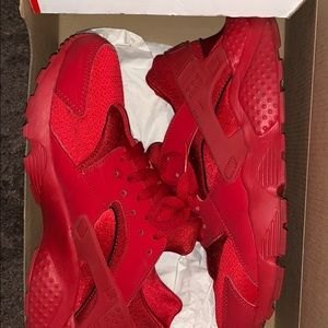 Harraches Sneakers All Red  , Great Condition